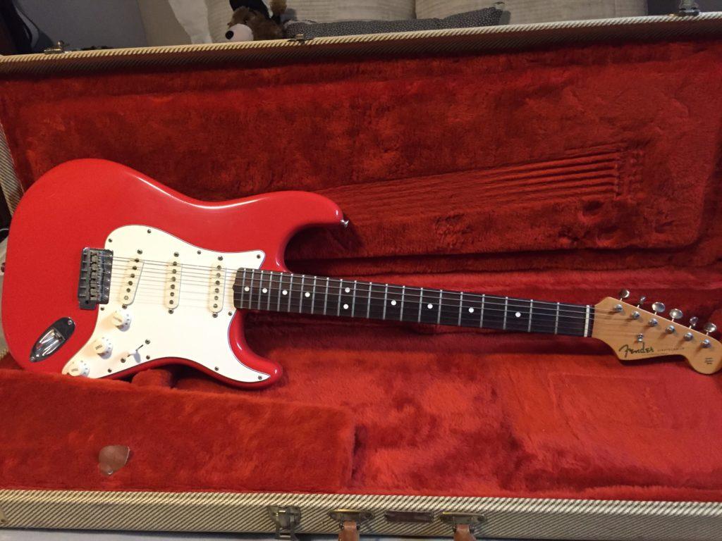 Fender Strat 1982 AVRI Series Guitar